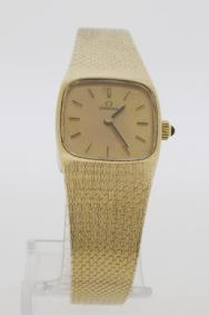 Ladies 9ct Gold Omega Watch